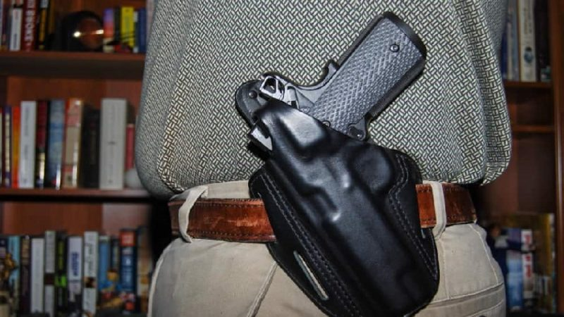 2 Ways to Holster Your Concealed Weapon